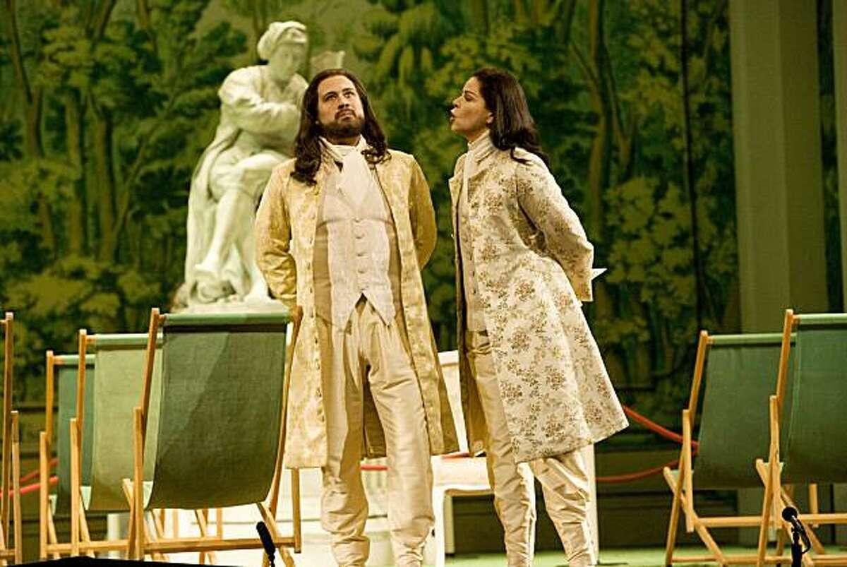 """David Daniels (l.) as Arsamenes and Susan Graham as Xerxes in Handel's """"Xerxes"""" at Houston Grand Opera"""