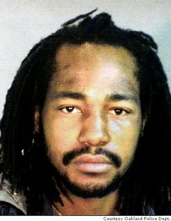 Oakland police released this 2002 booking photograph of Odell Roberson in Oakland, Calif. on Saturday, Oct. 13, 2007. Roberson was killed on 60th Street in July 2007. Photo: HANDOUT, Courtesy Oakland Police Dept.
