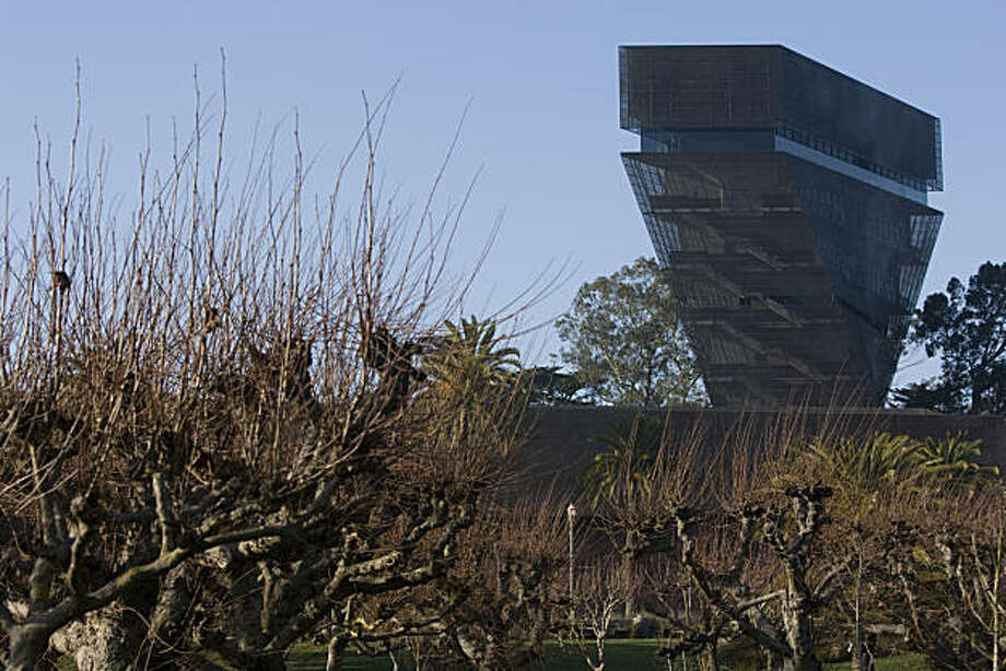 The De Young Museum's tower is seen from the outside in San Francisco Calif., on Friday, Jan. 8, 2010. Photo: Adam Lau, The Chronicle