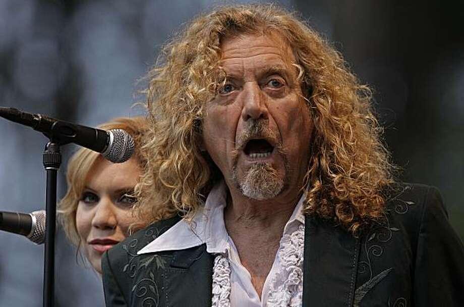 Robert Plant And Alison Krauss Black Dog