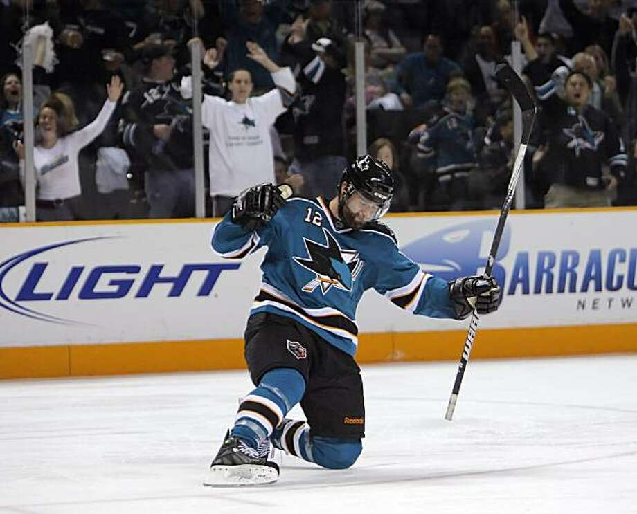 Patrick Marleau celebrates his game-winning goal in the third period of Game 5 of the Western Conference semifinals in San Jose on Saturday. Photo: Carlos Avila Gonzalez, The Chronicle
