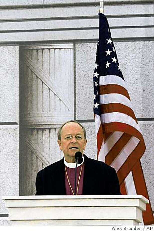 """Rev. V. Gene Robinson (Ret.) gives the invocation during """"We Are One: Opening Inaugural Celebration at the Lincoln Memorial"""" in Washington, Sunday, Jan. 18, 2009. Photo: Alex Brandon, AP"""