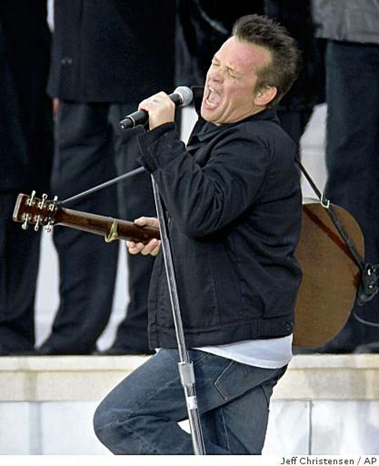 "Singer John Mellencamp performs at the ""We Are One:  Opening Inaugural Celebration at the Lincoln Memorial in Washington, Sunday, Jan. 18, 2009. Photo: Jeff Christensen, AP"