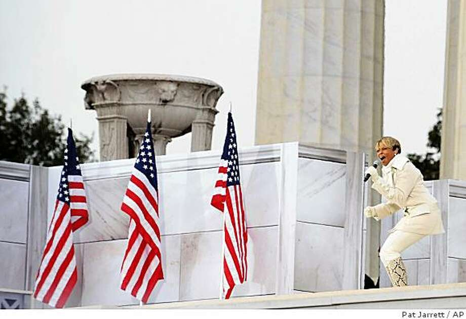 "Mary J. Blige performs during ""We Are One: Opening Inaugural Celebration at the Lincoln Memorial"" in Washington, Sunday, Jan. 18, 2009. Photo: Pat Jarrett, AP"