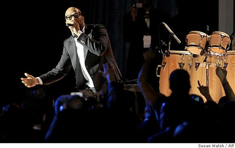 Illinois rap artist Common performs at the Obama Home States Inaugural Ball in Washington, Tuesday, Jan. 20, 2009. Photo: Susan Walsh, AP