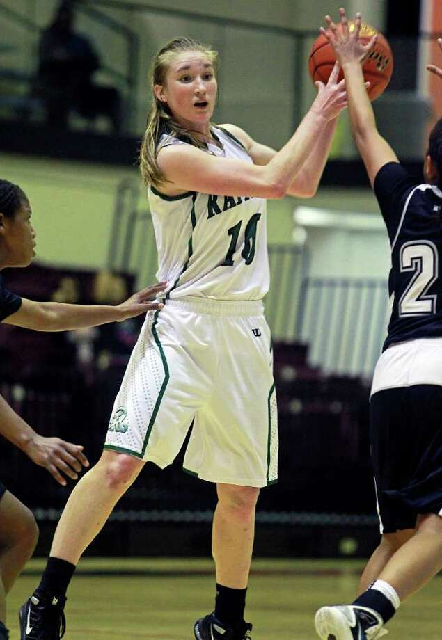 Stats show that Reagan's Wendy Knight, seen in action against Steele in November, is having no sophomore slump this season. Photo by Tom Reel Photo: S.A. Express-News File Photo / © 2011 San Antonio Express-News
