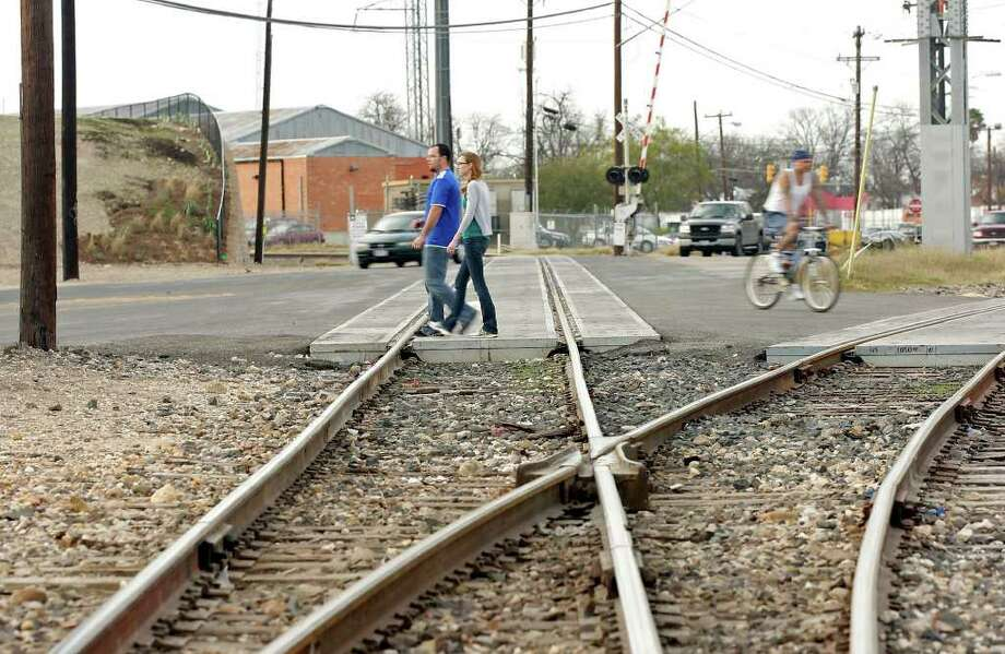 Railroad tracks at Probandt and East Cevallos streets could become part of one of three quiet zones proposed for the South Side's Lone Star neighborhood. Photo: San Antonio Express-News, Edward A. Ornelas / SAN ANTONIO EXPRESS-NEWS (NFS)