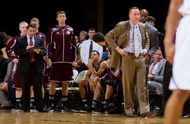 Texas A&M coach Billy Kennedy, right, watches his team play late in the second half of an NCAA college basketball game against Missouri on Monday, Jan. 16, 2012, in Columbia, Mo. Missouri won 70-51. Photo: Associated Press, L.G. Patterson / FR23535 AP