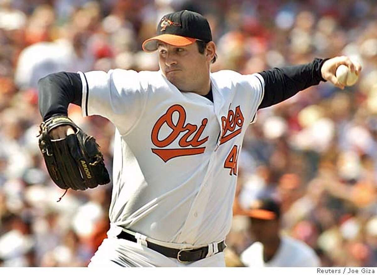 Baltimore Orioles relief pitcher Steve Kline, shown in this file photo taken at Camden Yards in Baltimore, Maryland May 22, 2005, is reported to have been traded by the club to the San Francisco Giants December 6, 2005. The deal, which is likely to be officially announced later on Tuesday, will send Kline to the Giants in exchange for reliever LaTroy Hawkins. REUTERS/Joe Giza/Files 0