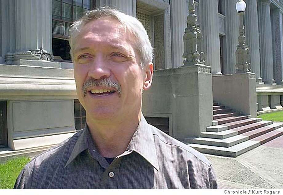UC Berkeley psychology professor Stephen Hinshaw on the UC Berkeley campus .He has writen a book about his father's struggle with being misdiagnosed mentally ill. Event on 8/27/03 in Berkeley. KURT ROGERS / The Chronicle Photo: KURT ROGERS