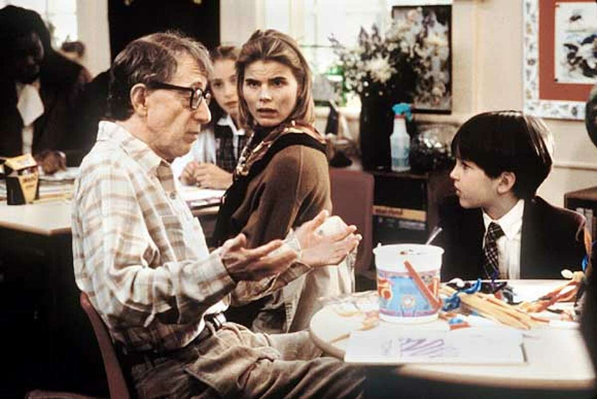 BOX OFFICE 3/C/11JAN98/DD/HO--DECONSTRUCTING HARRY Ran on: 12-01-2005 Woody Allen and Mariel Hemingway in 1997s Deconstructing Harry, a flat-out good Allen film.