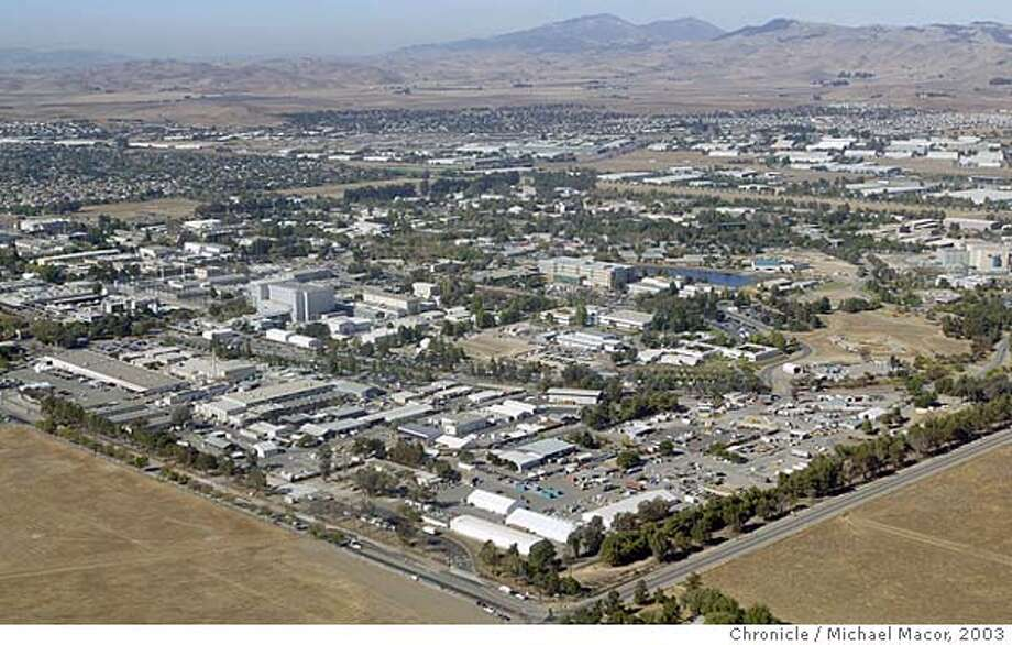 parkshelo084_mac.jpg Lawrence Livermore National Laboratory sits at the Eastern edge of the Livermore Valley, Mt. diablo seen rising above the foothills in the backgrouynd.  A view from the air with a ride along with the East Bay Parks helicopter Eagle 5. The East Bay Regional Parks system of the Bay Area encompasses more than 95,000 acres.  10/28/03 in Castro Valley. MICHAEL MACOR/ The Chronicle MANDATORY CREDIT FOR PHOTOG AND SF CHRONICLE/ -MAGS OUT Photo: MICHAEL MACOR