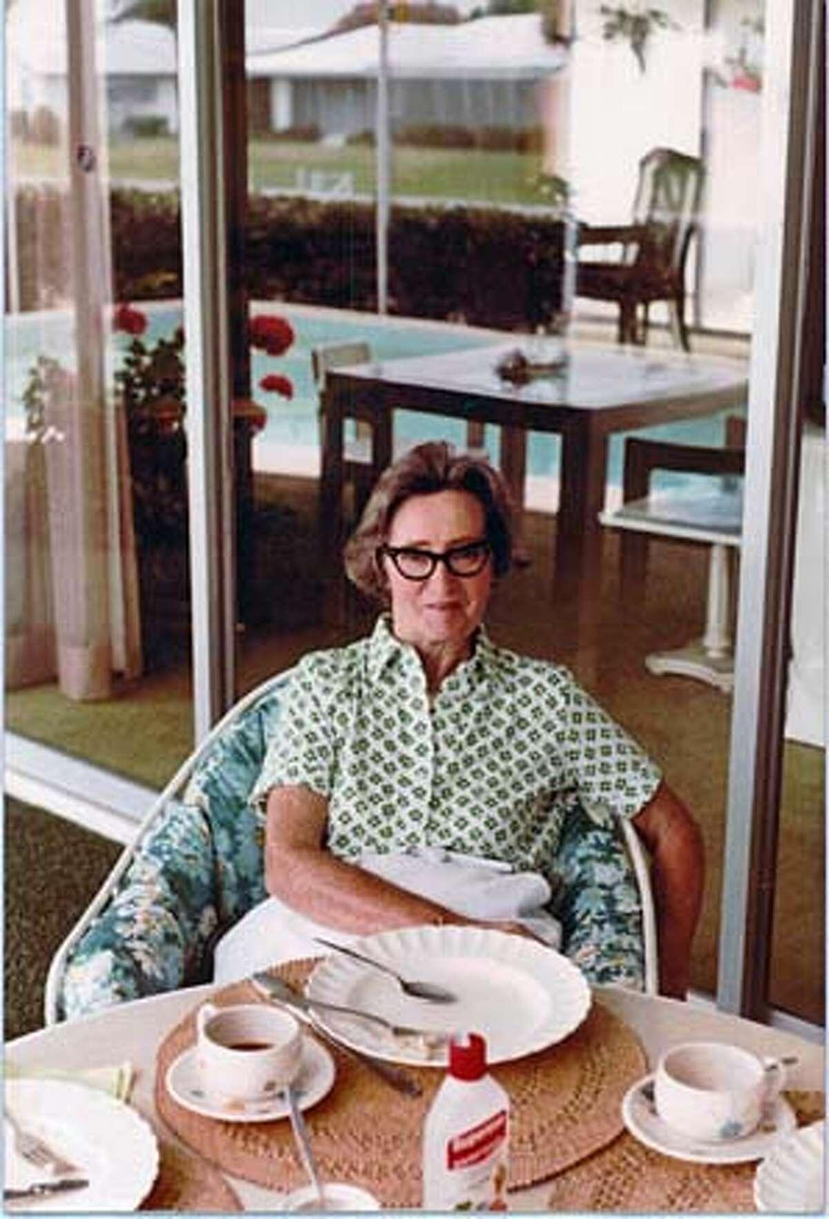Obituary photo of Mimi Makowsky.