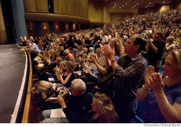 "Audience members clap following former vice-president Al Gore's speech at an event for those paying for his book called ""The Assault on Reason"" and a chance to hear him speak at Marin Veterans' Memorial Auditorium, Marin Center in San Rafael, CA, on Wednesday, May, 23, 2007. photo taken: 5/23/07  Darryl Bush / The Chronicle ** (cq) Photo: Darryl Bush"