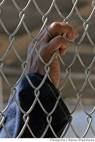 SANQUENTIN_241_pg.jpg  death row inmate's hand who is in exercise yard.  A tour of San Quentin prison's death row, to show how bad of shape it is in and drum up support for a new death row there. There is, of course, plenty of opposition to keeping death row on such a prime piece of real estate.  . San Quentin on 10/26/04 by Penni Gladstone  San Francisco Chronicle Photo: Penni Gladstone