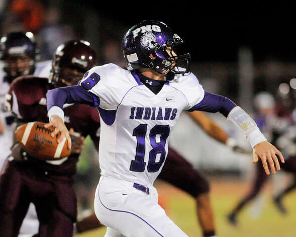 PN-G quarterback Brennan Doty looks for a receiver in last Friday's November 6 game against Central at Zaharias Stadium.  Thursday, November 12, 2009. Valentino Mauricio/The Enterprise Photo: Valentino Mauricio / Beaumont