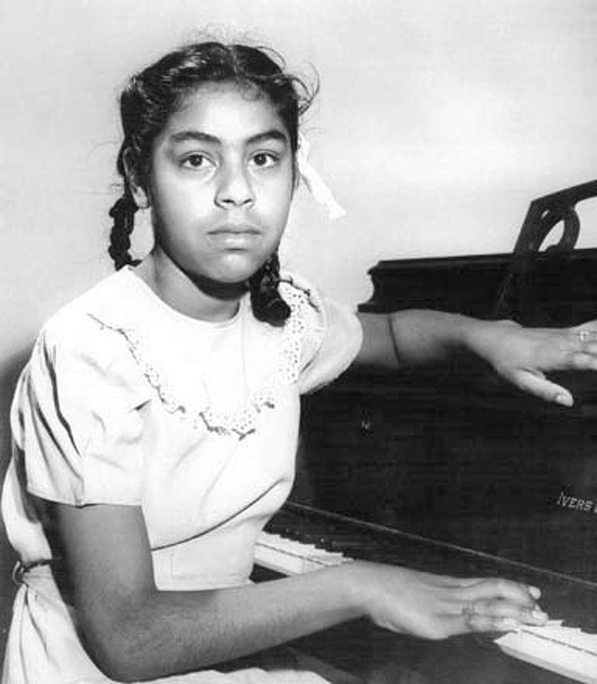 Sylvia Mendez at the piano