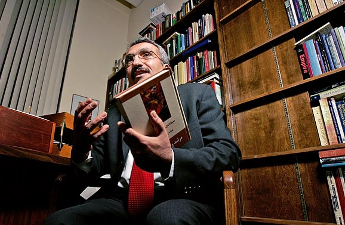 Abbas Milani is head of the Iranian studies program at Stanford University (2005 file photo)