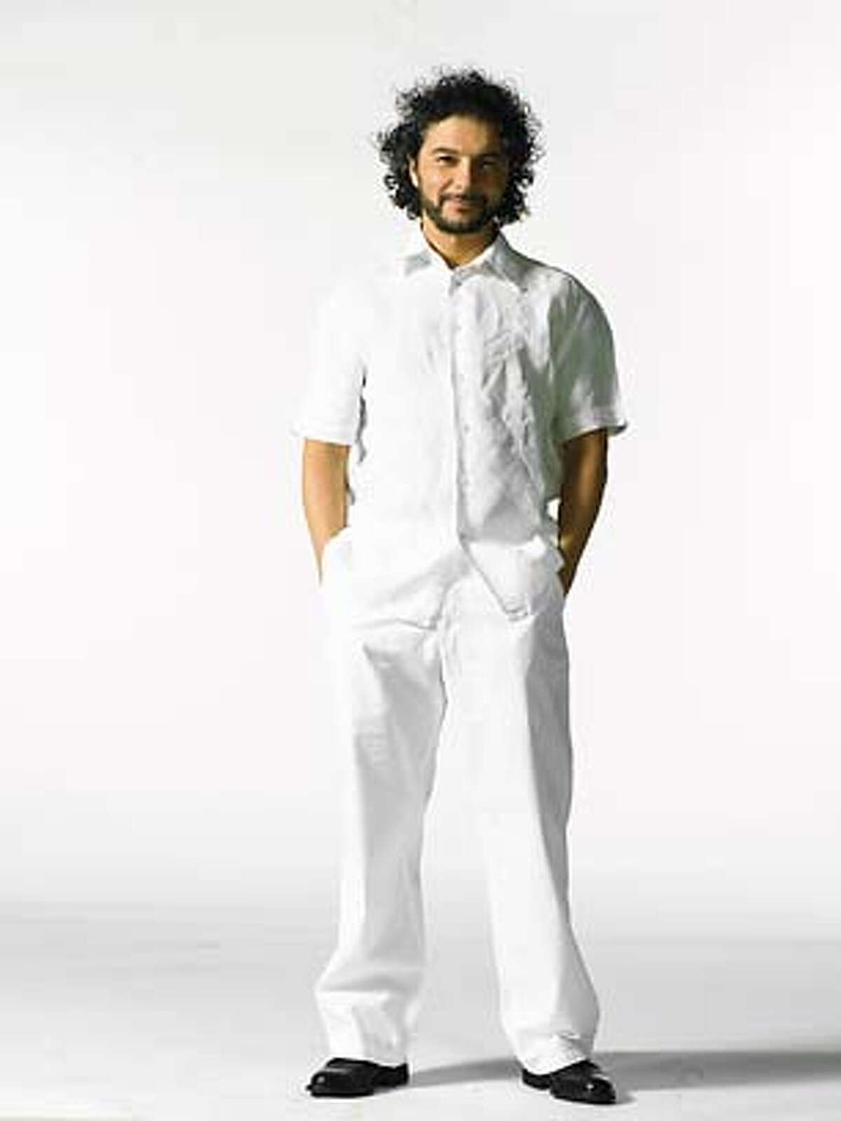 Cirque09_02.JPG Daniele Finzi Pasca (man in white) handout