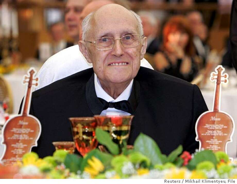 Cellist Mstislav Rostropovich smiles during a celebration of his 80th birthday in the Kremlin in Moscow in this March 27, 2007 file photo. Rostropovich died on Friday, Russian news agencies reported. REUTERS/ITAR-TASS/PRESIDENTIAL PRESS SERVICE/Mikhail Klimentyev/Files (RUSSIA) Photo: ITAR-TASS