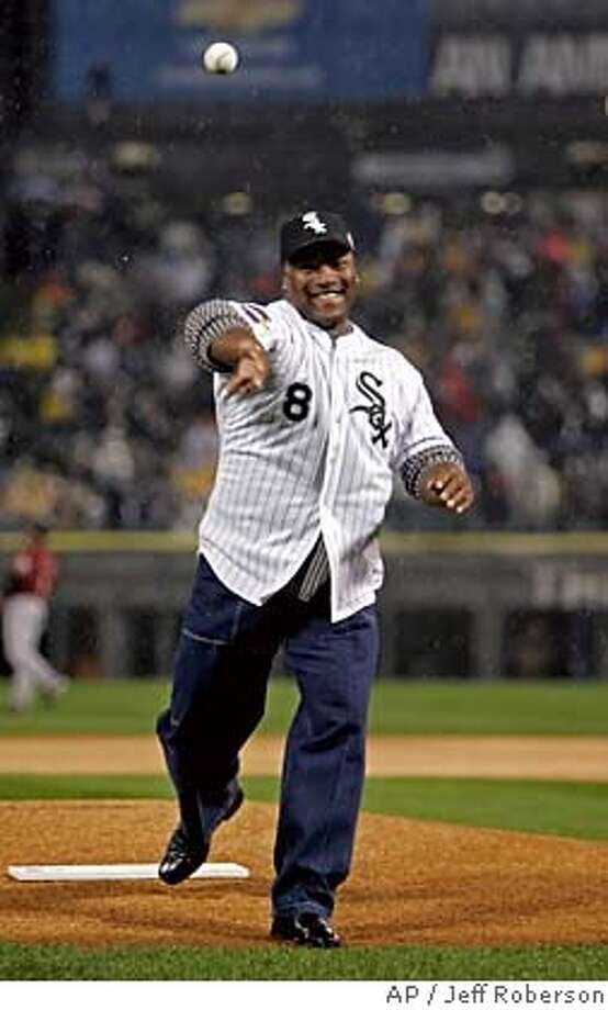 Former Chicago White Sox player Bo Jackson throws out the ceremonial first pitch before Game 2 of the World Series between the Houston Astros and Chicago White Sox at U.S. Cellular Field Sunday, Oct. 23, 2005, in Chicago. (AP Photo/Jeff Roberson) Photo: JEFF ROBERSON