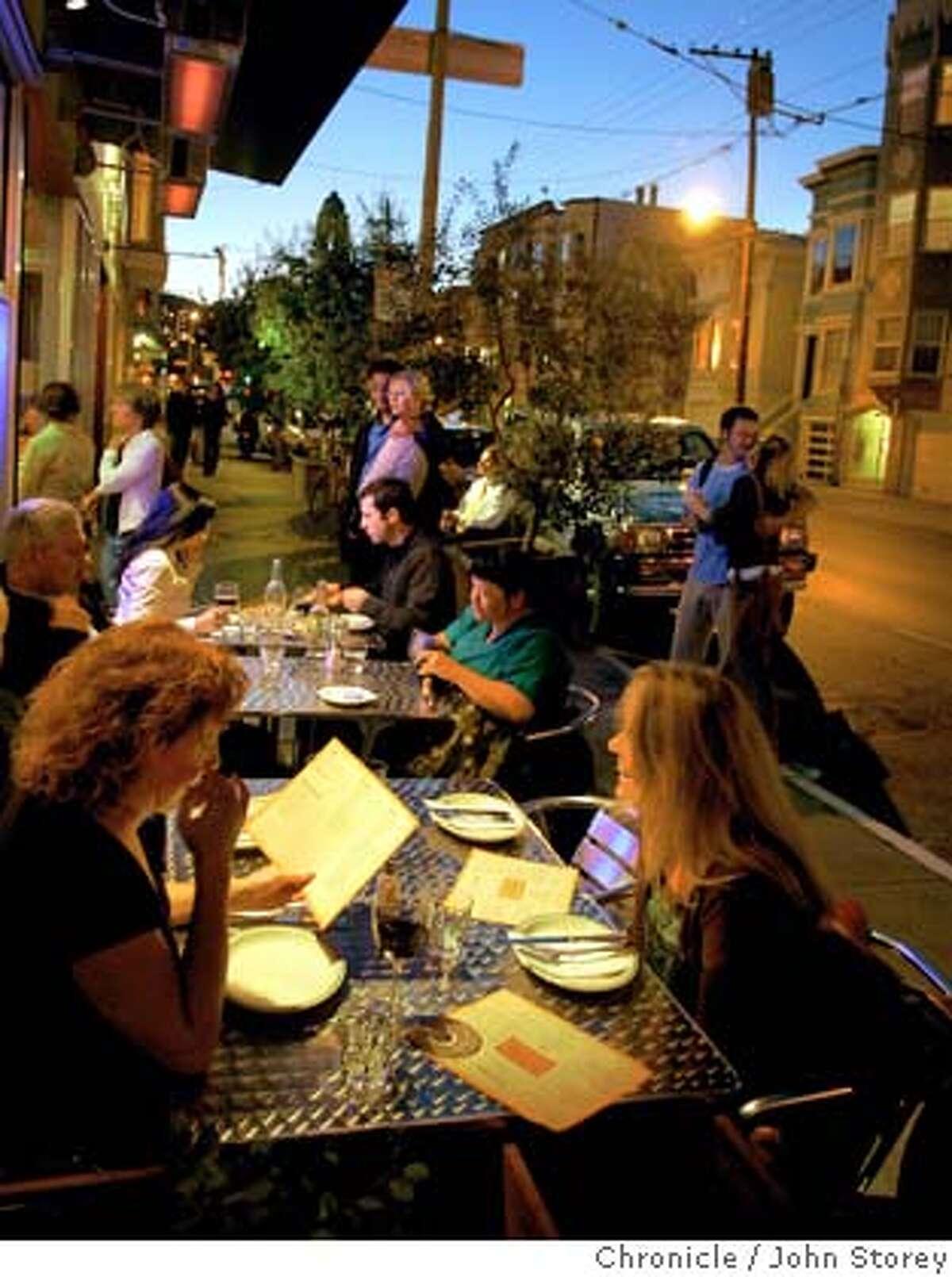 Restaurant review of Pizzeria Delfina in San Francisco. John Storey San Francisco Event on 10/5/05