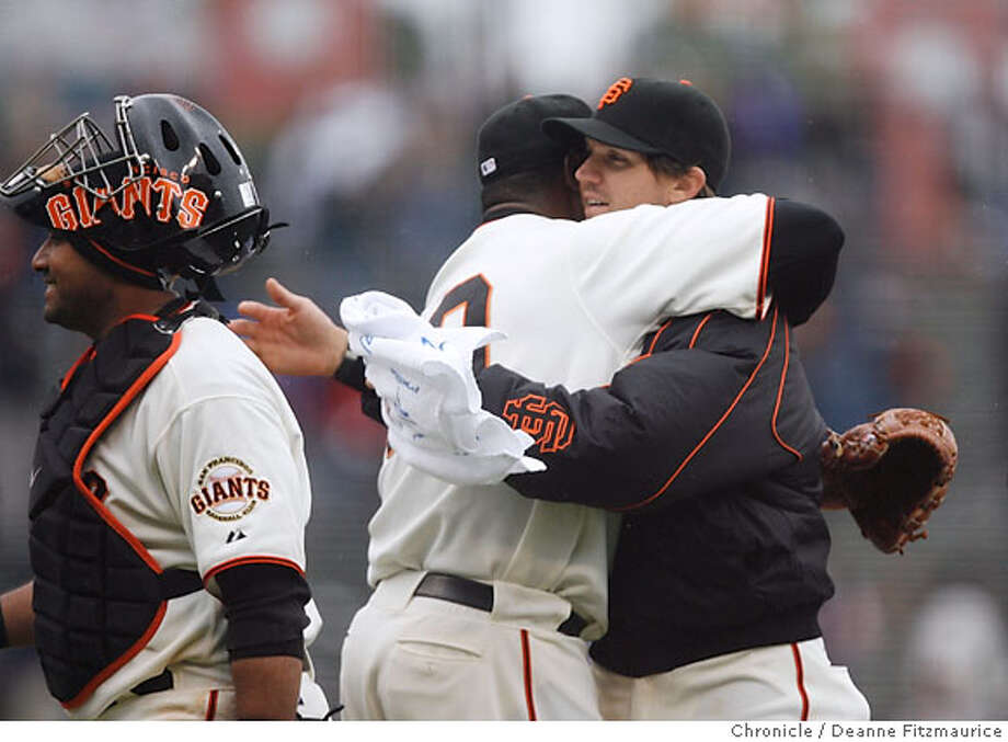 Armando Benitez hugs Barry Bito after he saved the game for Zito to get the win. San Francisco Giants beat the Arizona Diamondbacks as Barry Zito, Brad Hennessey and Armando Benitez combine for a shutout. Photographed in San Francisco on 4/21/07. Deanne Fitzmaurice / The Chronicle Photo: Deanne Fitzmaurice