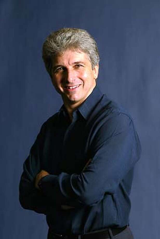 SYMPH21_02.JPG Conductor Peter Oundjian SFS Pressroom Photo: Ho