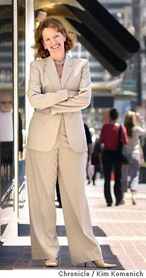 07/26/03 | Color | 5star | full | b1 | Business | er 6273 | QUINLAN_017_kk.jpg Photo: KIM KOMENICH