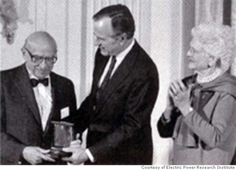 Obituary photo of Chauncey Starr.  PHOTO COURTESY ELECTRIC POWER RESEARCH INSTITUTE (EPRI)  Ran on: 04-21-2007  Chauncey Starr (left) of Atherton was awarded the National Medal of Technology in 1990 by President George H.W. Bush, who made the presentation with first lady Barbara Bush (right). Photo: Handout
