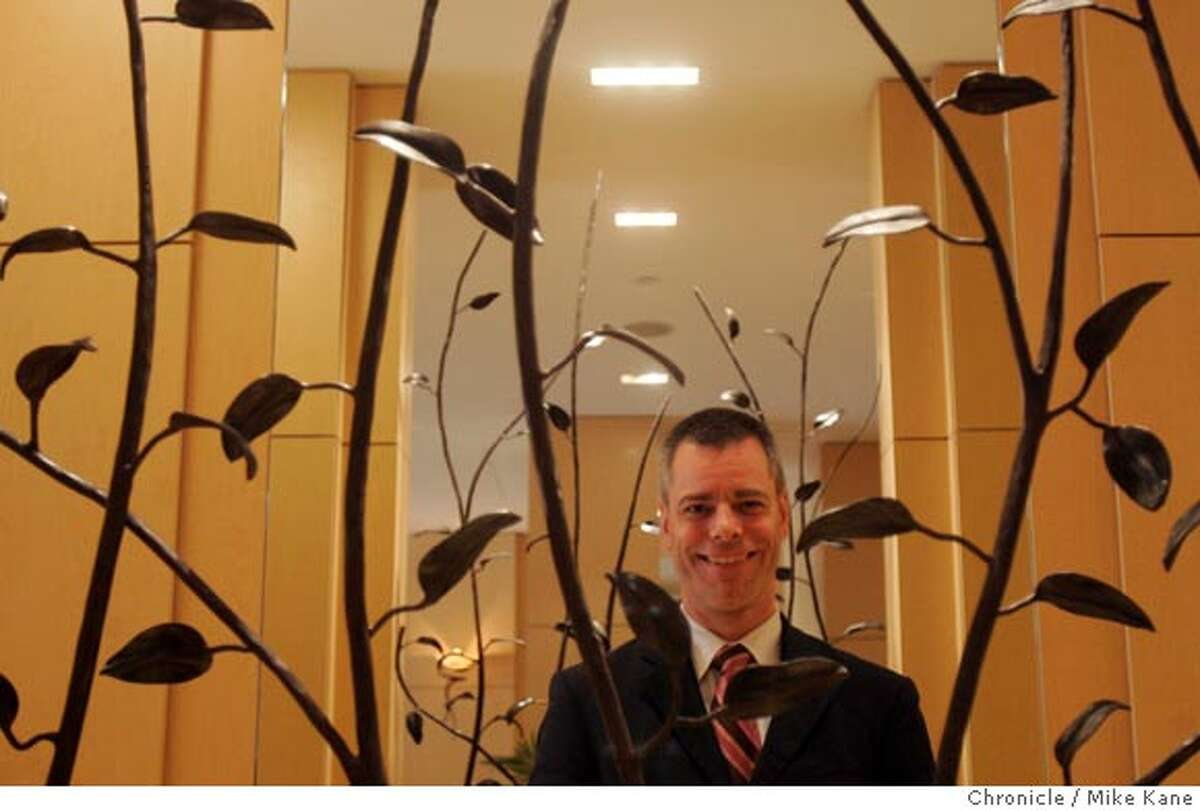 Stefan Muhle, general manager of the the Orchard Garden Hotel, poses in San Francisco, CA, on Tuesday, April, 3, 2007. photo taken: 4/3/07 Mike Kane / The Chronicle ** Stefan Muhle