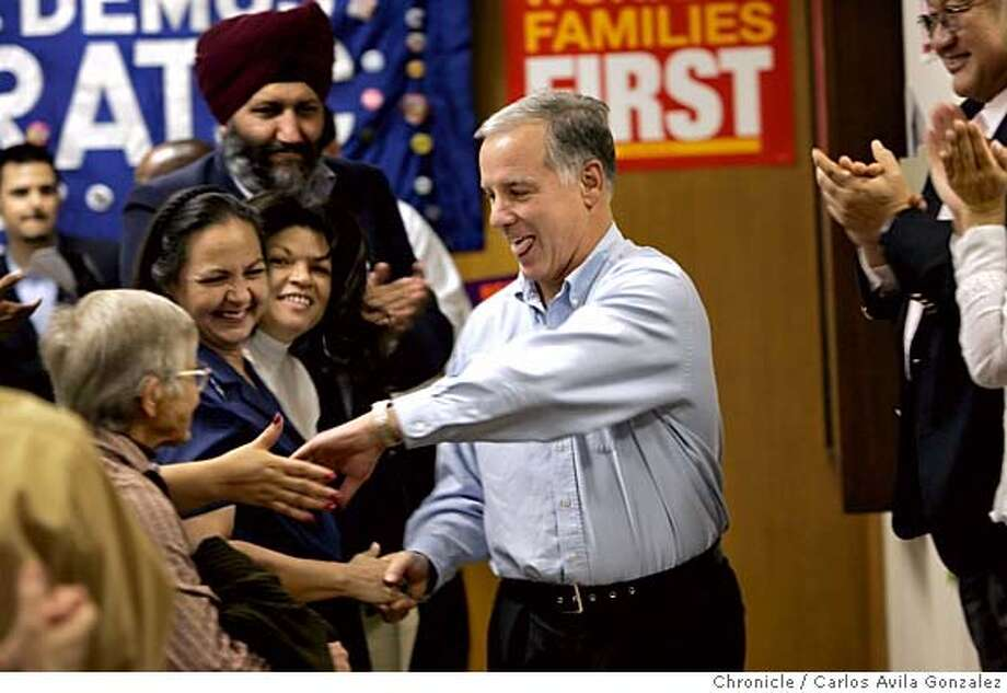 DEAN17_001_CAG.JPG  DNC Chairman Howard Dean greets supporters at the UFCW Union Hall in Hayward, Ca., on Sunday, October 16, 2005, before rallying Northern California Democrats against Governor Schwarzenegger�s Special Election plans for California.  Photo by Carlos Avila Gonzalez/The San Francisco Chronicle  Photo taken on 10/16/05, in San Francisco, Ca. Photo: Carlos Avila Gonzalez