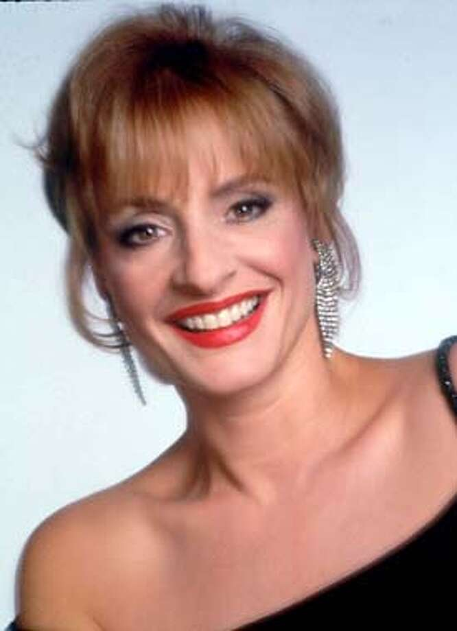 "lupone21_7/21/2003_B/W_3star_Datebook_d3_10p10x2.175""_john 8464"