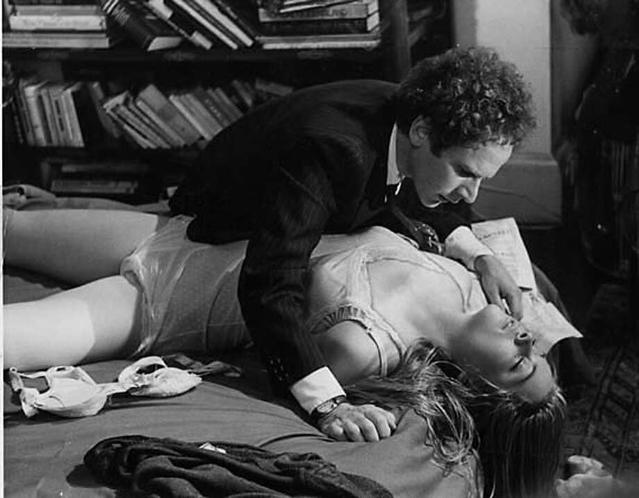 Art Garfunkel and Theresa Russell in Bed Timing 1980 / HO