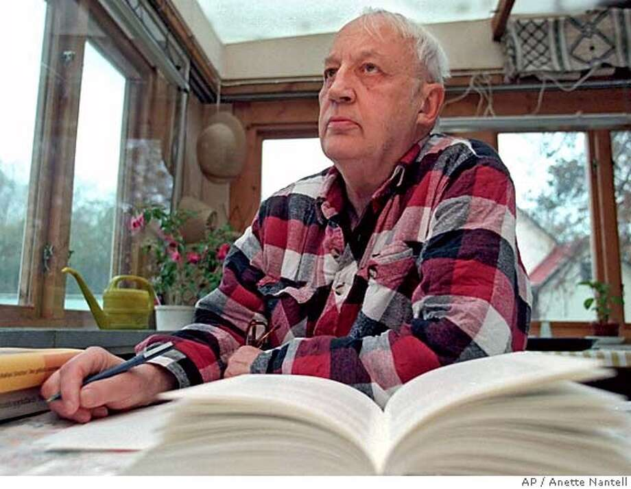 ** FILE ** Swedish Academy member Knut Ahnlund, 82, seen in a Nov. 5, 1997 file photo. Ahnlund launched a rare and scathing attack on last year's Nobel Prize in Literature winner Elfriede Jelinek's writing on Tuesday, Oct. 11, 2005 saying giving her the prize caused irreparable damage to the award's reputation. The winner of this year's prize will be announced in Stockholm, Sweden, on Thursday Oct. 13. (AP Photo/Anette Nantell) ** SWEDEN OUT ** NOV 5 1997 FILE PHOTO SWEDEN OUT Photo: ANETTE NANTELL