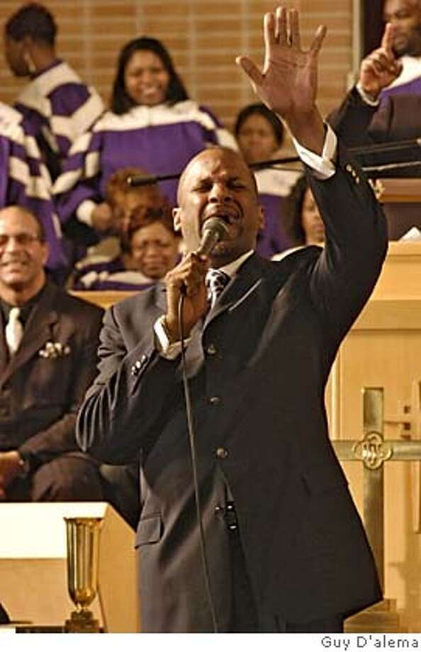 GOSPEL10 DONNIE McCLURKIN stars as Minister Hunter in Screen Gems� THE GOSPEL Photo Credit: Guy D'alema Photo: Guy D'alema