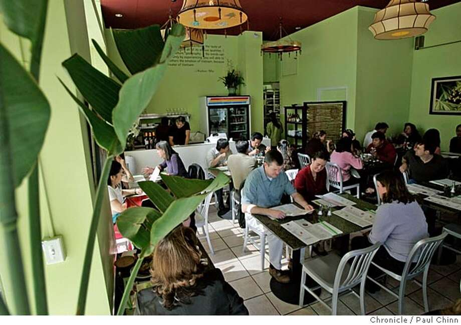 A lunchtime crowd fills the dining room of Mangosteen Vietnamese restaurant in the Tenderloin on 10/5/05 in San Francisco, Calif.  PAUL CHINN/The Chronicle Photo: PAUL CHINN