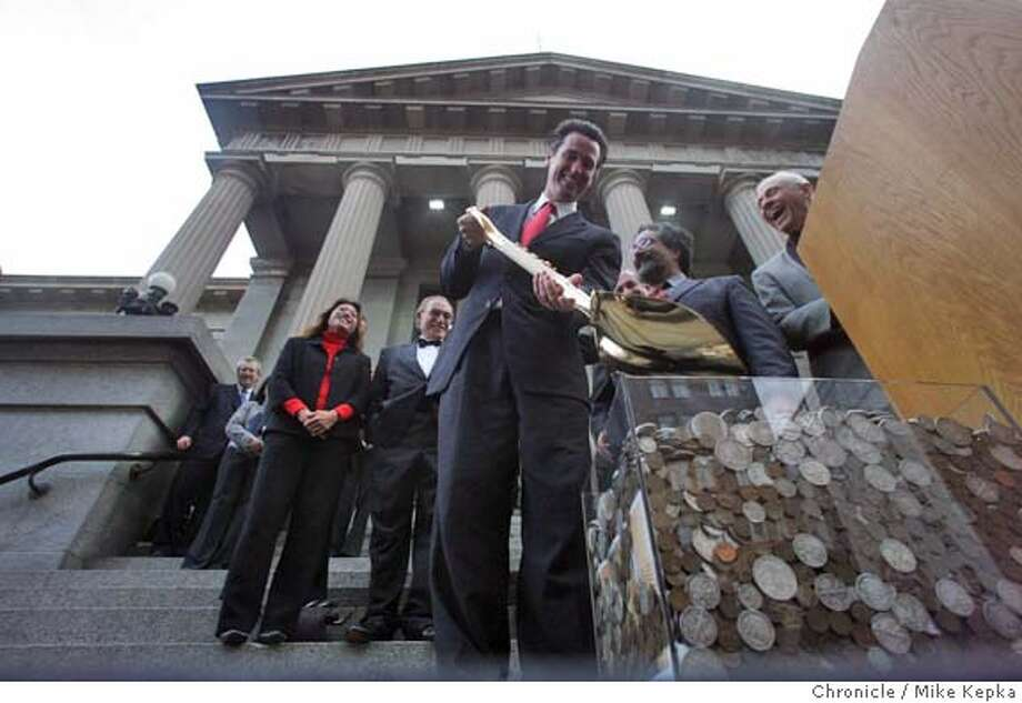 oldmint074_mk.JPG With Mayor Gaving Newsom at the end of a golden shovel and a box of coins minted the San Francisco Mint, The San Francisco museum and Historical society holds a ground breaking ceremony for the San Francisco history museum that will occupy the Old Mint building at 5th and Mission. date} Mike Kepka / The Chronicle MANDATORY CREDIT FOR PHOTOG AND SF CHRONICLE/ -MAGS OUT Photo: Mike Kepka