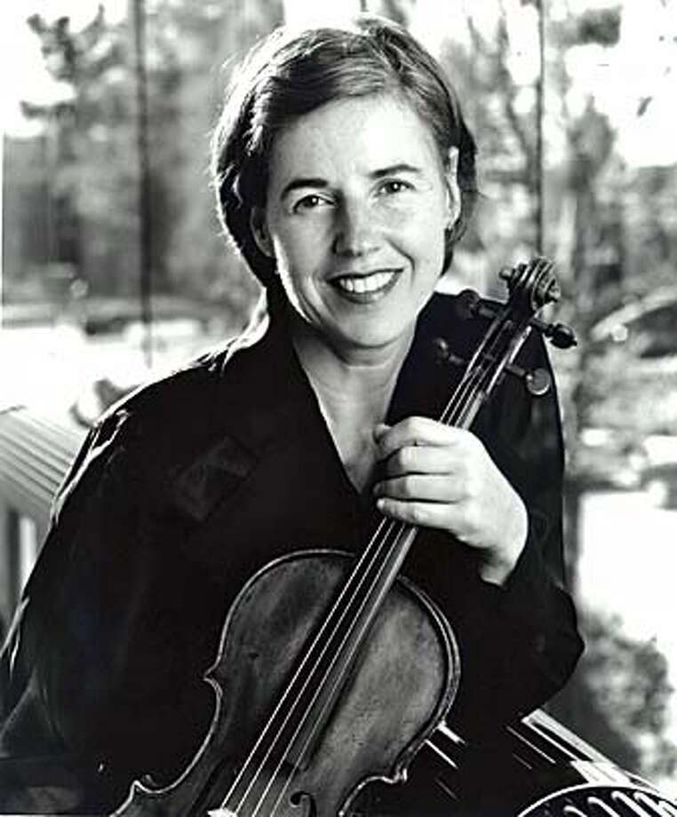 WALTHER10  Violinst Geraldine Walther. Geraldine Walther is the Symphony's principal violist. Ran on: 01-04-2005  Geraldine Walther, principal violist with the Symphony, will join the Tak�cs Quartet. Ran on: 01-04-2005  Settlers dragged from homes Photo: Ho