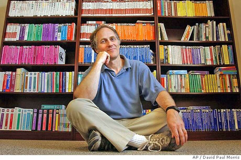 "� Tim O'Reilly of O'Reilly & Associates poses in his office in Sebastopol, Calif., Friday, July 18, 2003. In the early 1990s, Tim O'Reilly's company had a new and potentially lucrative idea: use advertising revenue to run a Web portal. Essentially, O'Reilly claims, Global Network Navigator invented the Internet banner ad. According to a landmark court decision handed down five years ago this month, O'Reilly may have been able to patent the idea as a ""business method"", a move that would have changed the course of Internet history. (AP Photo/David Paul Morris) Ran on: 05-27-2006 Tim O'Reilly, chief executive of Sebastopol's O'Reilly Media, is fond of the words &quo;Web 2.0.&quo; So fond, in fact, that he's threatening to sue an Irish nonprofit group over them. Ran on: 11-07-2006 O'Reilly Media founder and Chief Executive Officer Tim O'Reilly started the Web 2.0 conference in 2004 to support the Internet. Photo: DAVID PAUL MORRIS"