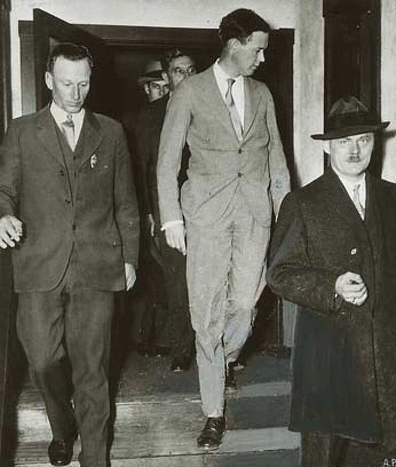 � wayback08_ph2.tif H. Norman Schwartzkopff (right) in 1935, superintendent of New Jersey Sate Police, investigating the Lindbergh baby kidnapping MANDATORY CREDIT FOR PHOTOG AND SF CHRONICLE/NO SALES-MAGS OUT