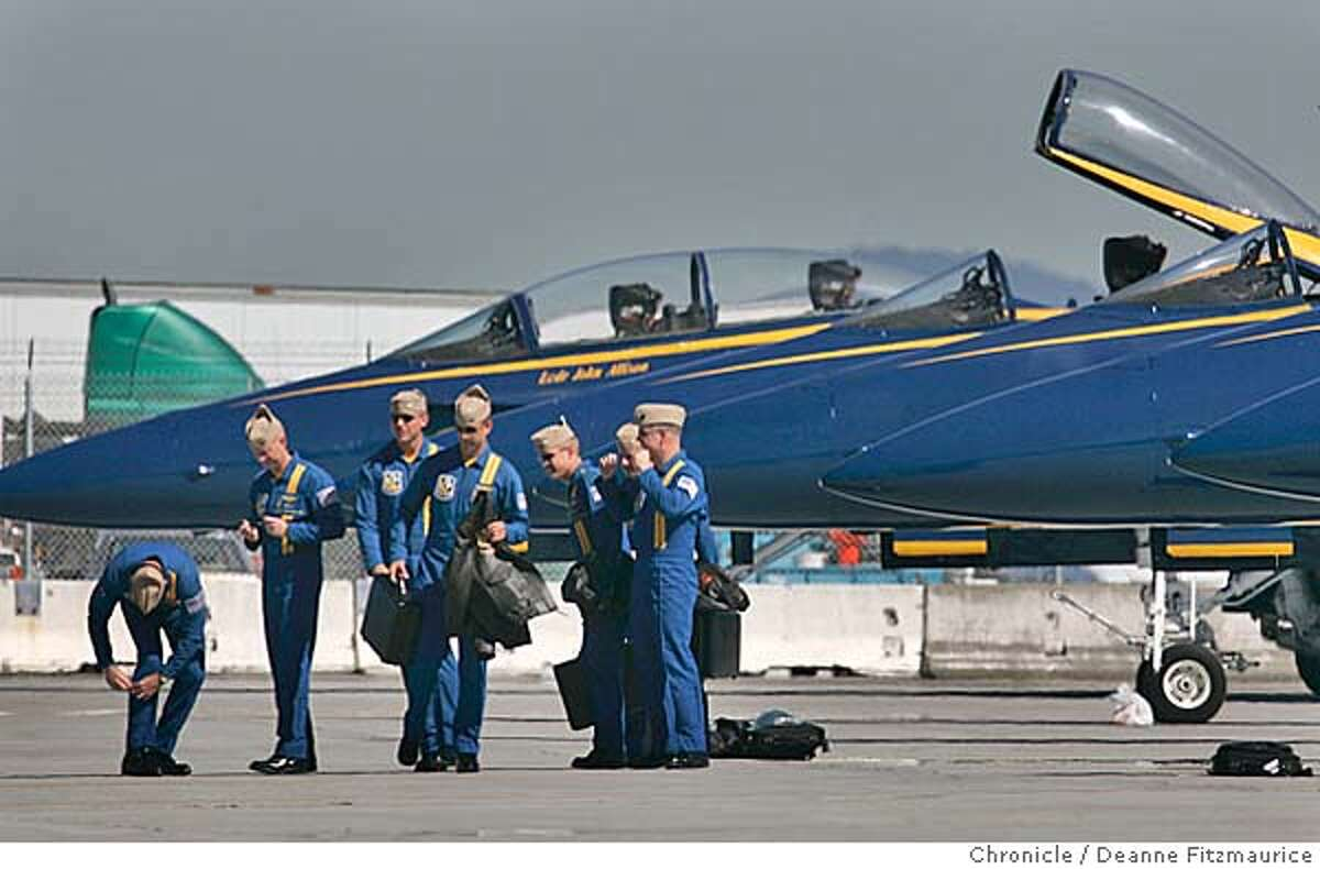 blueangels_070_df.JPG The Blue Angels arrive in their F/A-18s at San Francisco International Airport for Fleet Week. Deanne Fitzmaurice / San Francisco Chronicle