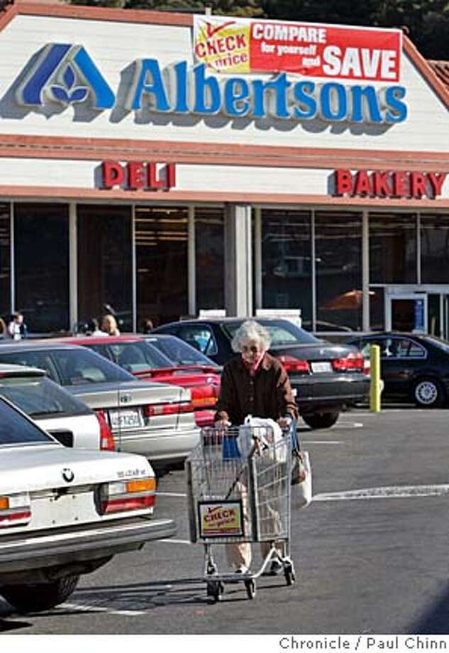 Grocery Store Woes Buyers Eye Albertson S Inc Hurt By Discount Upscale Stores Sfgate