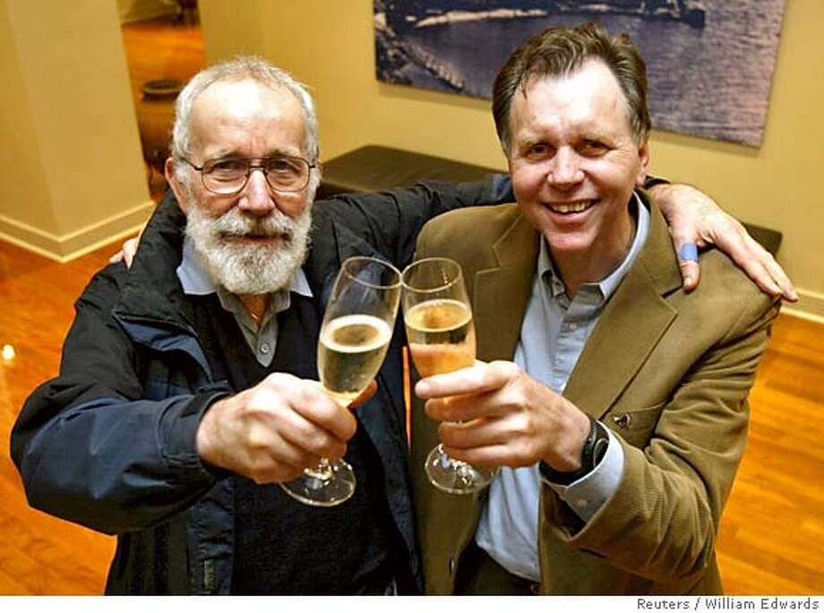 ATTENTION EDITORS - RETRANSMITTING WITH HIGHER RESOLUTION Nobel Prize for Medicine recipients, Australians Robin Warren (L) and Barry Marshall toast their success with a champagne at Swan Berry Cafe in Perth October 3, 2005 after learning of their achievements. Warren and Marshall won the 2005 Nobel medicine prize on Monday for discovering the bacterium behind stomach inflammation and ulcers, diseases which affect millions of people and earn billions of dollars for drugs firms. REUTERS/William Edwards 0 Photo: STRINGER/AUSTRALIA