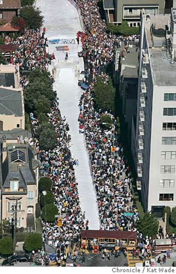 SKIJUMP_002_KW.jpg  On 9/29/04 in San Francisco The ski jump in Pacific Heights on Filmore Street drew a huge crowd Thursday afternoon. Kat Wade/The Chronicle MANDATORY CREDIT FOR PHOTOG AND SF CHRONICLE/ -MAGS OUT Photo: Kat Wade