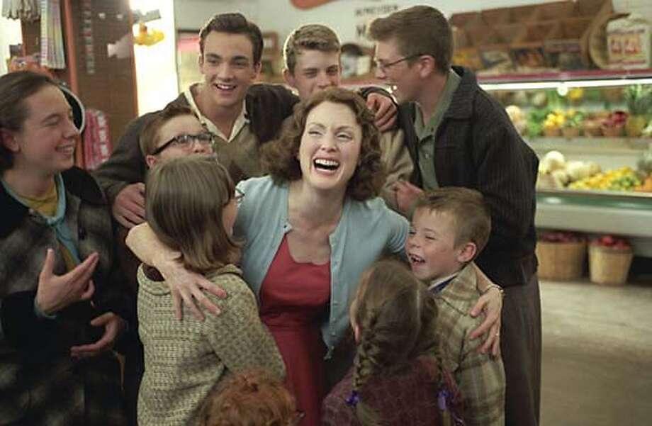 """Julianne Moore in """"The Prize Winner of Defiance, Ohio""""  on 9/22/05 in . / HO"""