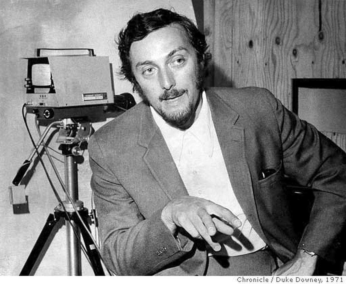 � STANFORD2-C-23JAN02-MT-FILE Stanford Professor Philip Zimbardo dicsusses the Stanford Prison Experiment on August 20, 1971. CHRONICLE FILE PHOTO BY DUKE DOWNEY/1971