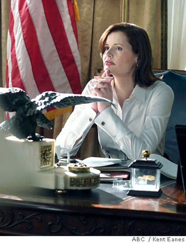 """(NYT44) UNDATED -- Sept. 18, 2005 -- TV-AD-COLUMN-- Geena Davis as President Mackenzie Allen in the ABC series """"Commander in Chief."""" (ABC / Kent Eanes) XNYZ Photo: KENT EANES/ABC"""