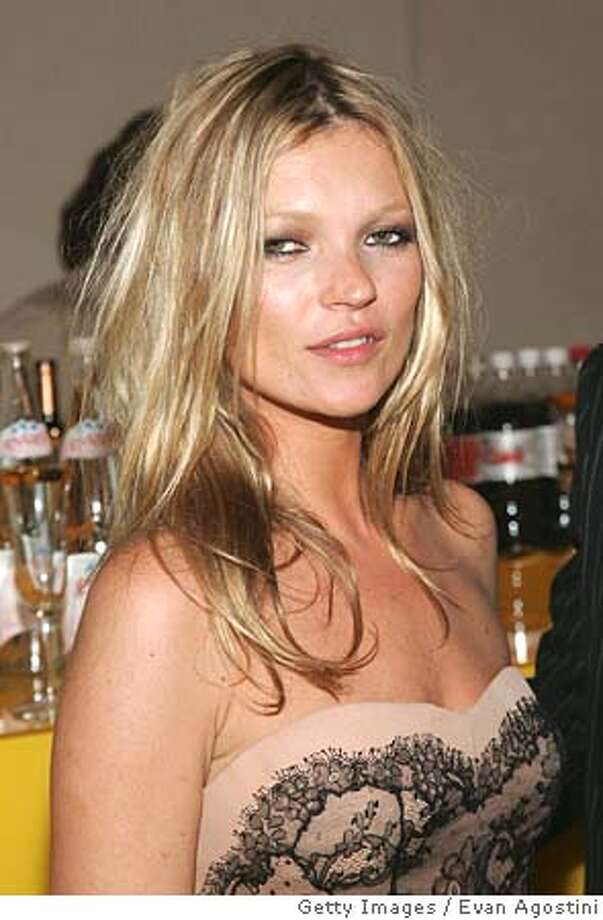 NEW YORK - JUNE 06: Kate Moss attends the 2005 CFDA Awards at the New York Public Library June 6, 2005 in New York City. (Photo by Evan Agostini/Getty Images) *** Local Caption *** Kate Moss Ran on: 06-12-2005 Ran on: 09-21-2005  Kate Moss Photo: Evan Agostini