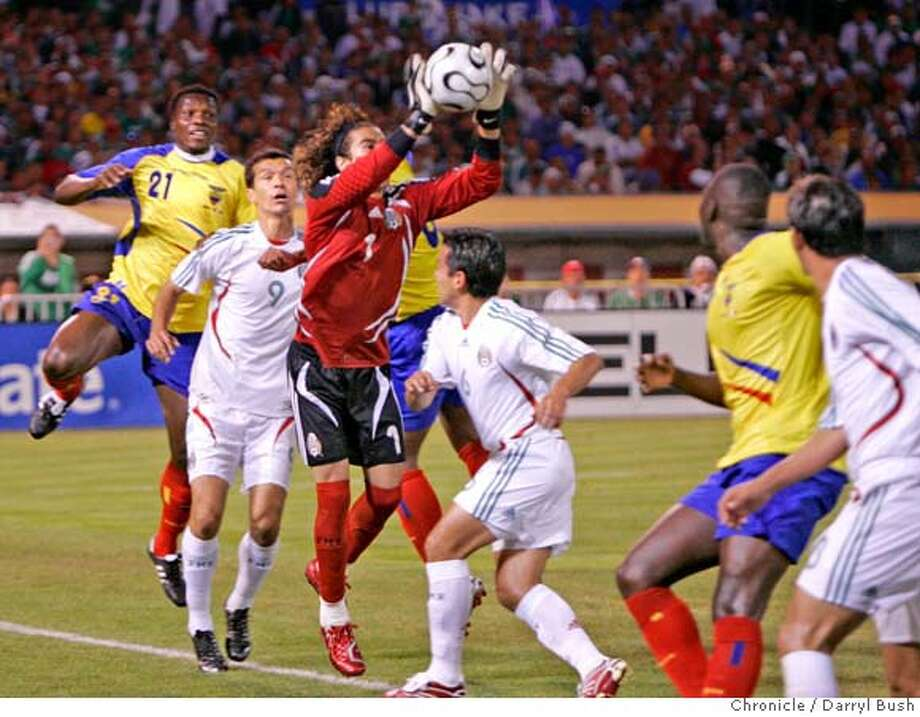 Mexico's goal keeper Ochoa Guillermo makes a save in the 1st half: Mexico vs. Ecuador in soccer at McAfee Coliseum in Oakland, CA, on Wednesday, March, 28, 2007. photo taken: 3/28/07  Darryl Bush / The Chronicle ** roster (cq) Photo: Darryl Bush